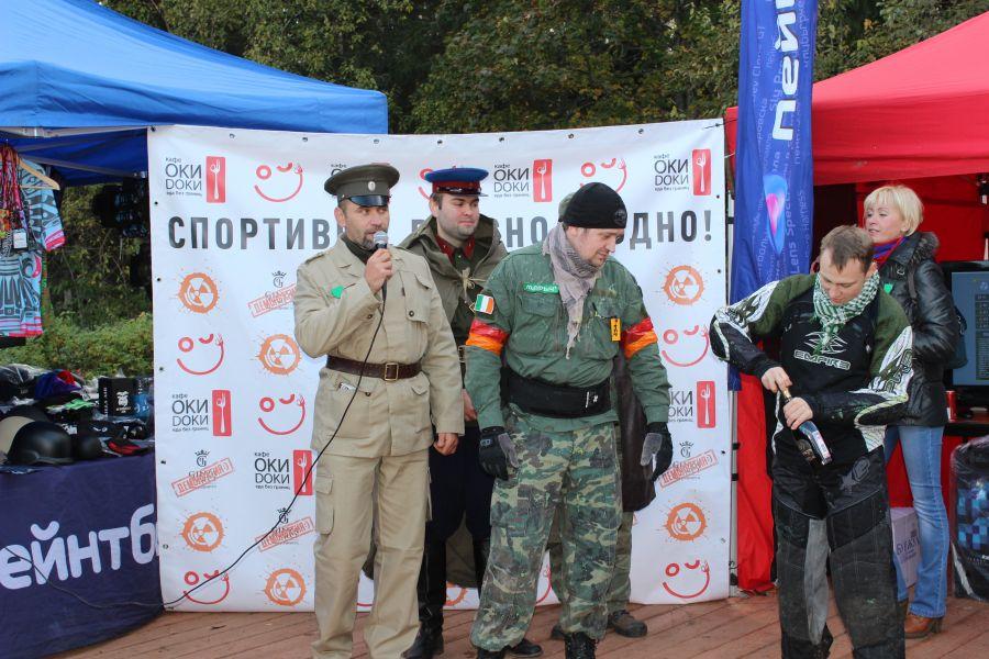 На сцене: Генерал Красной Армии Ганс и Марыч - Командир Ирландцев на данной игре.