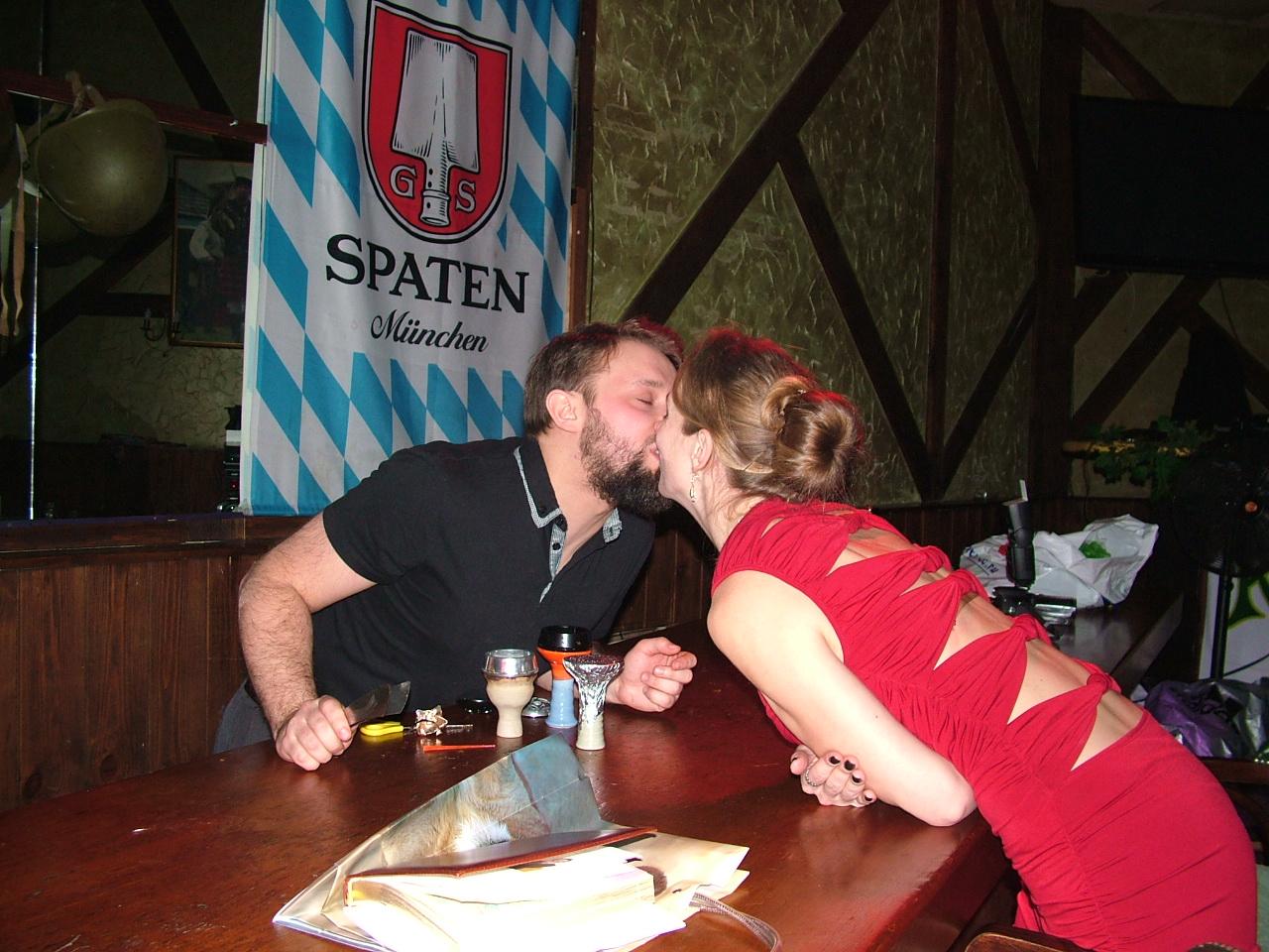 Победитель награжден поцелуем :)